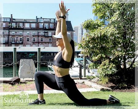 Упражнение на бока для женщин: растягивание бедер