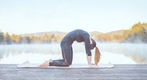 Йога для снятия напряжения в шее